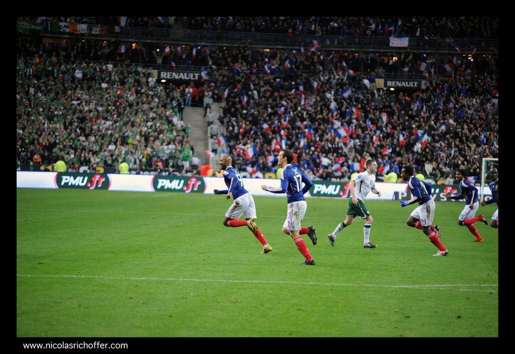 Le match du scandale, le soir de mes trente ans : la France se qualifie pour la Coupe du Monde 2010 sur un but qui n'aurait pas dû être validé… Ne cherchez pas la photo de la fameuse main de Thierry Henry, je l'ai loupée…