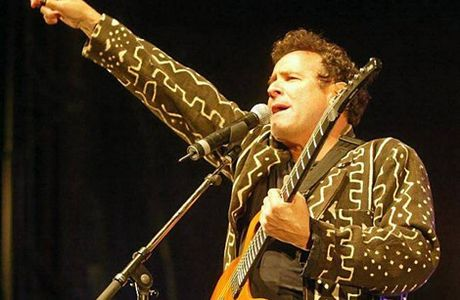 Johnny Clegg mettra le feu aux Terres blanches...