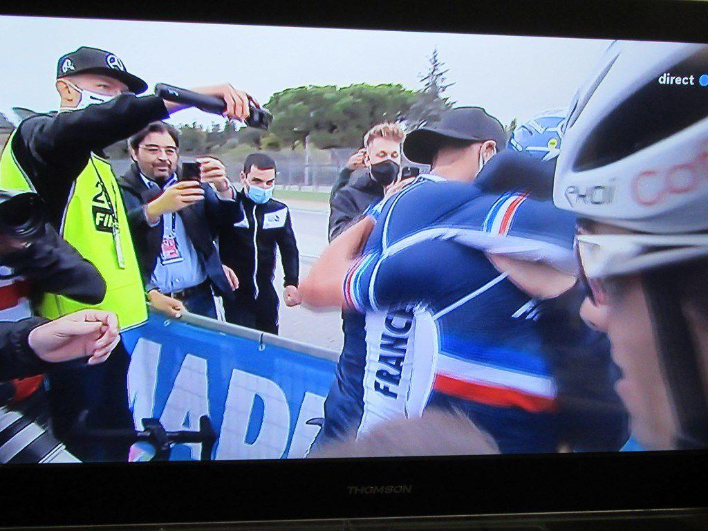 Julian Alaphilippe est champion du monde de cyclisme aujourd'hui 27 septembre 2020 !