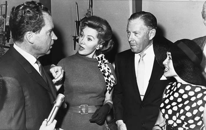 Ms. Fleming, second from left, in 1962 with Richard M. Nixon, who was then the Republican candidate for governor of California. With them were her fellow actors George Murphy, who later became a United States senator, and Jane Powell.Credit...Associated Press