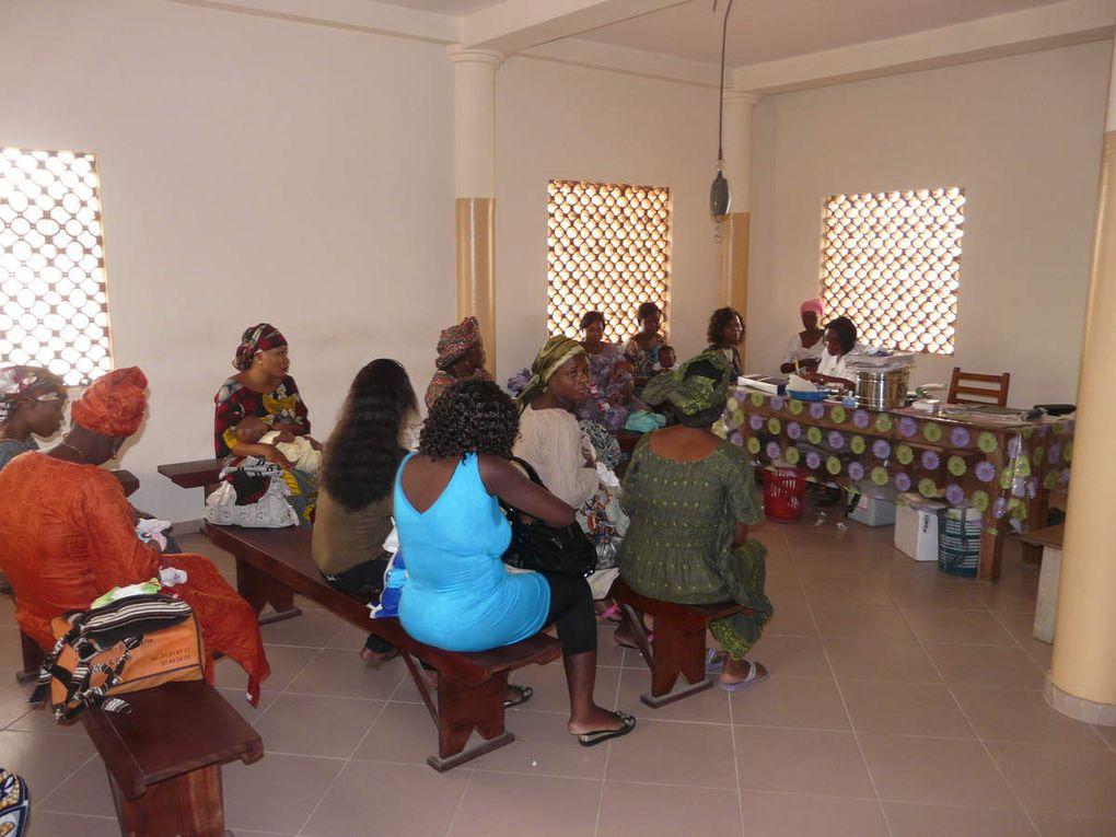 """Le Centre de Santé """"Anastasis"""" à Cotonou."""