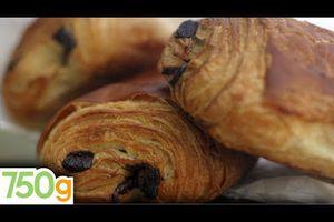 """Petit-déjeuner, goûter/ Fabriquer de délicieuses """"chocolatines"""" - ou - pains au chocolat + lien vers quelques particularismes régionaux + 2 Chants : Sud-ouest & Normandie"""