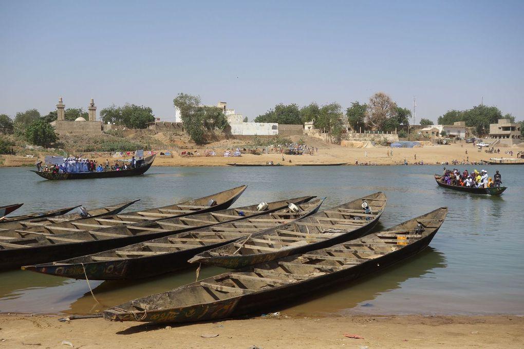 Le festival transfrontalier de Gouraye (dans la Région du Guidimakha en Mauritanie), sur le fleuve Sénégal, en face de la ville sénégalaise de Bakel, mettait, en janvier 2017, à l'honneur les influences réciproques peules, soninkés et bambaras.