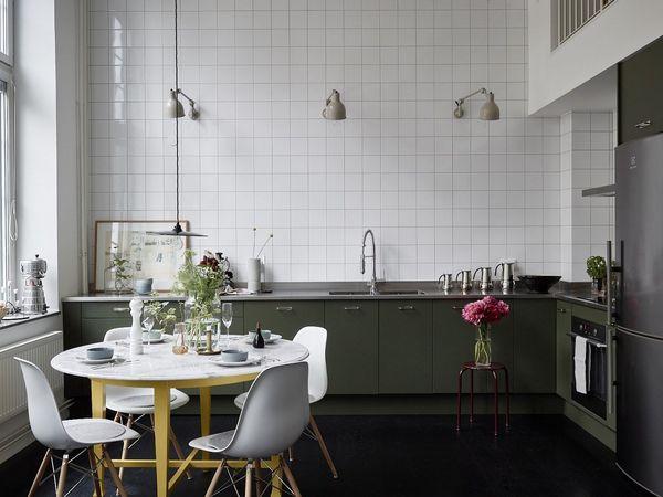 Le gris en filigrane d'un appartement avec mezzanine et terrasse