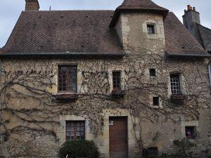 Quelques maisons qui ont retenu notre attention.  (Clic sur les photos)