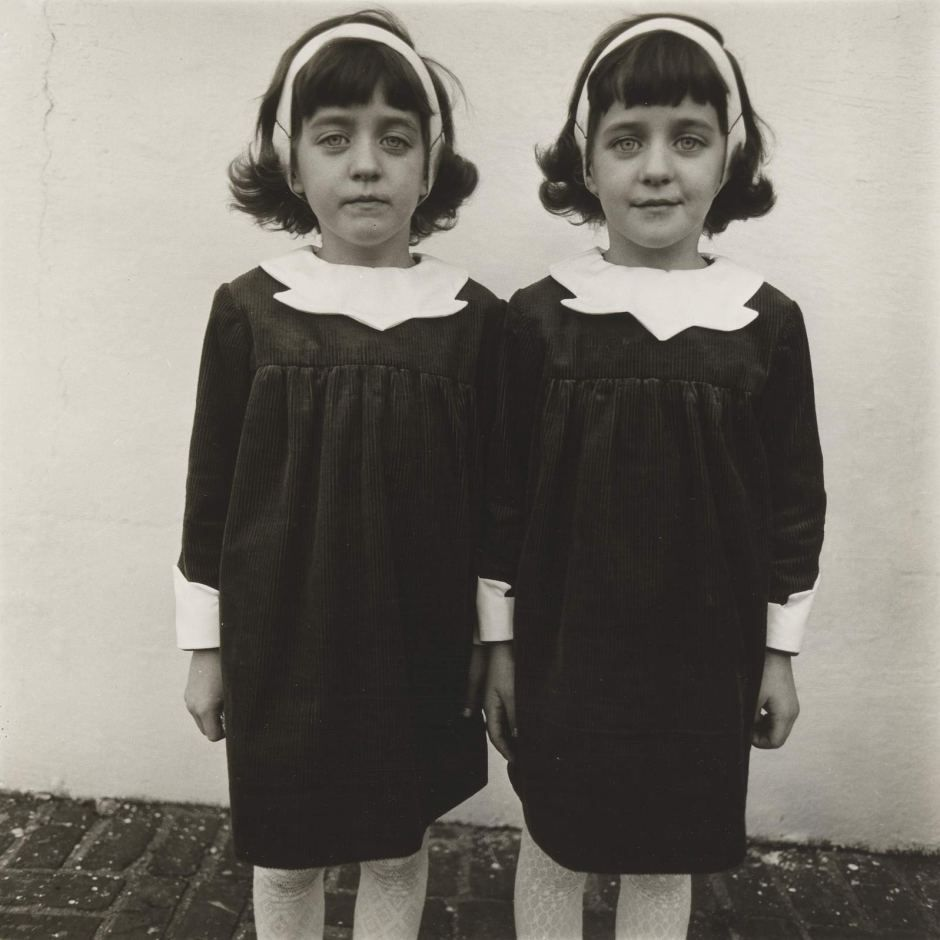 Cathleen et Colleen Wade - Identical Twins, Roselle, New Jersey, 1967 - Diane Arbus
