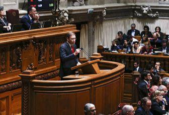 Portogallo, cade il governo mai nato - di Michele Paris