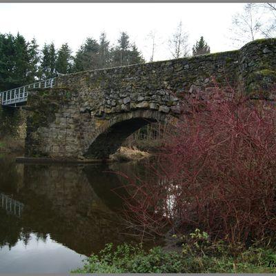 Pont Médiéval sur la Borne