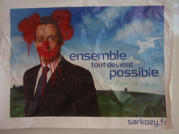 banderoles, collages, pochoirs, affiches...