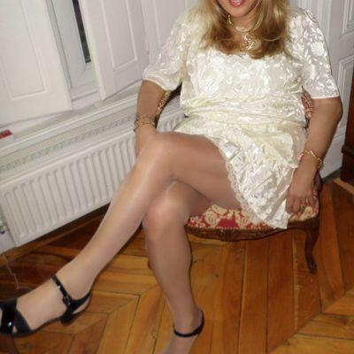 jupe plissée et dentelle