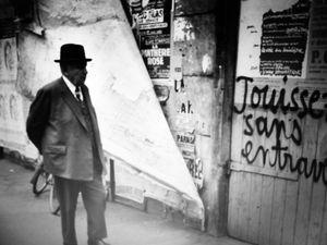 "Henri Cartier - Bresson ""Bord de Marne"" (1938) et ""Rue Vaugirard"" (1968)."