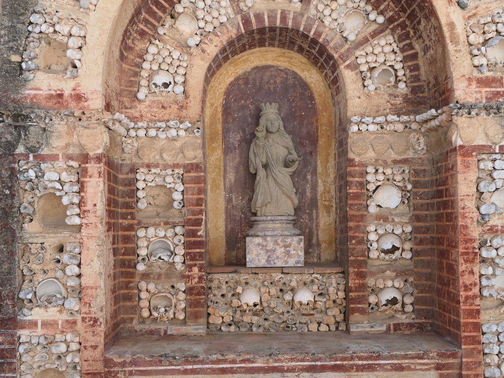 Faro, la vieille ville et la cathédrale Sé - Algarve.