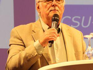 Witzig und kompetent moderierte der 71jährige Franz Barthel die Podiumsdiskussion. Das journalistische Urgestein wurde seit 1983 bis zu seiner Pensionierung 2009 als Redakteur bei der Welle Mainfranken im neu gegründeten Würzburger BR-Studio als die Stimme Unterfrankens gerne gehört.