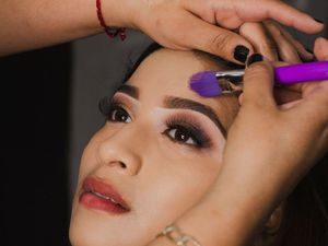 Party makeup artist in Delhi, India