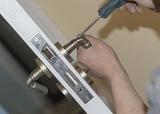 How a Commercial Locksmith Can Help You Run Your Business