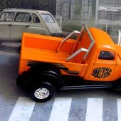 2605. PICK-UP HOT ROD ORANGE MAJORETTE 1/32 - car-collector.net