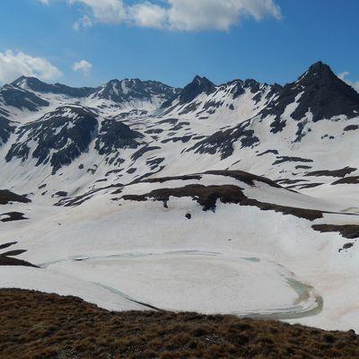 Pointe de Lanserlia (2909m) et randonnée au gré des lacs du secteur.