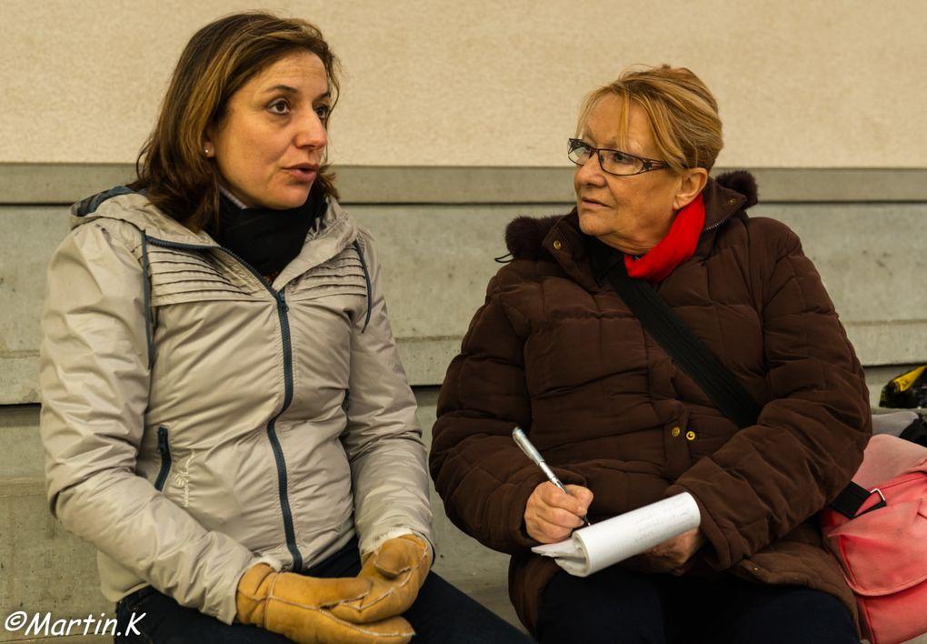Martin, toujours lui, est à la pointe de l'info avec notre amie Florence en pleine discussion avec Alexandra Ledermann. Une journée studieuse et des cavaliers ravis !!