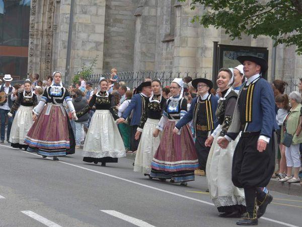 Danserien Kemper, Cap Caval, Eostiged, bagad Kemper