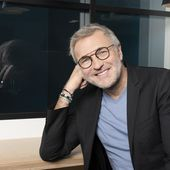 """Laurent Ruquier : """"Je serai toujours sur France 2 le samedi en deuxième partie de soirée, plutôt en octobre, et surtout en direct"""". - Leblogtvnews.com"""