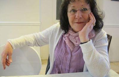 Patricia Coupel, militante à la CGT Philips dreux, prépare le congrès de l'union locale de Dreux