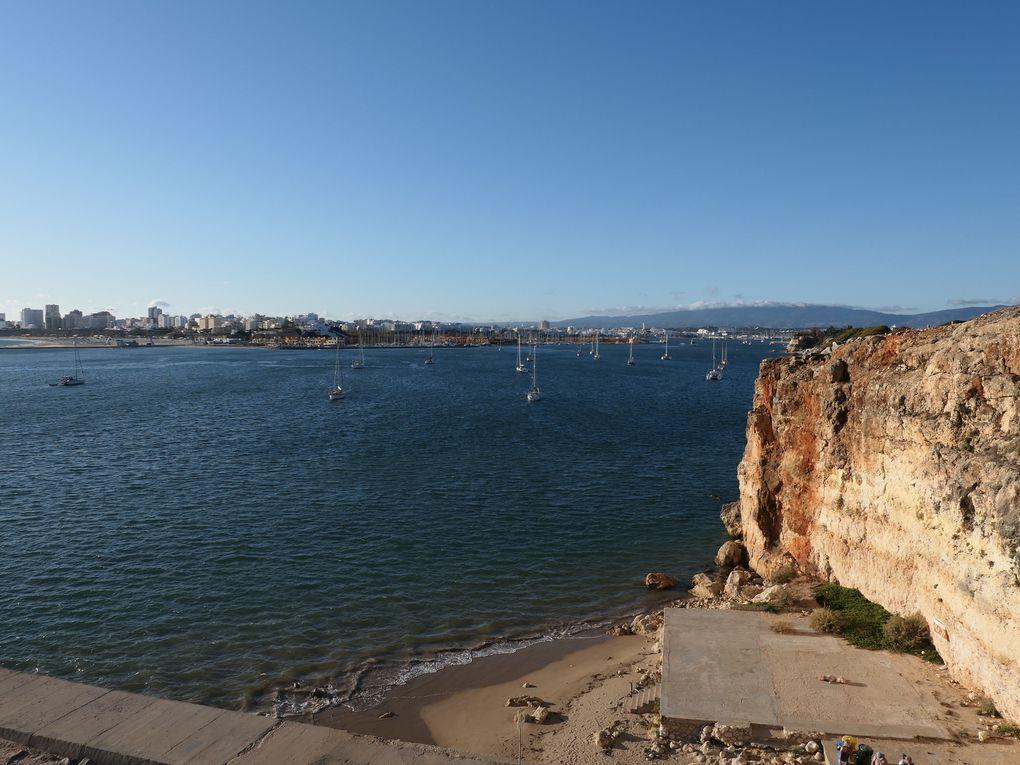 Promenade à Carvoeiro et Ferragudo en Algarve.