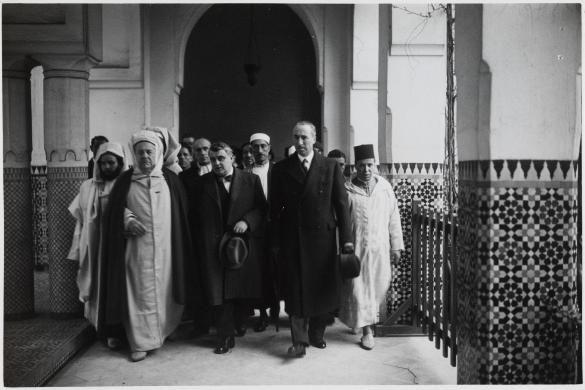 Max Bonnafous et M. Bouffet rencontrent Si Kaddour Benghabrit à la Grand Mosquée de Paris, 5ème arrondissement
