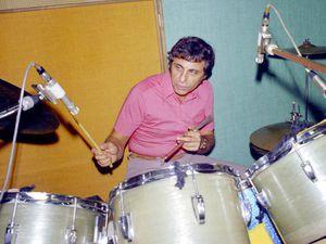 hal blaine, la disparition de l'un des meilleurs batteurs de studio au monde qui joua avec les plus grands et qui fut un élément clé du mur du son de phil spector