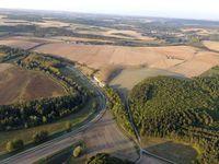 L'Yonne et le canal du Nivernais se cotoient.