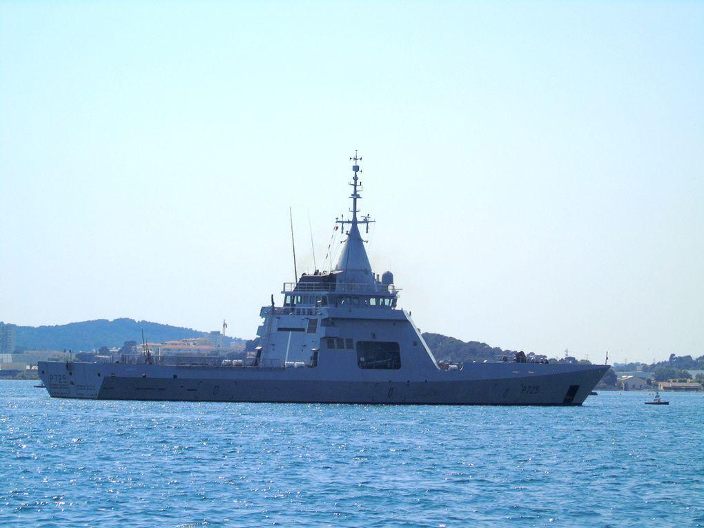 L' ADROIT  P725 , patrouilleur type OPV Gowind , rentrant au port de Youlon le 14 juin 2017