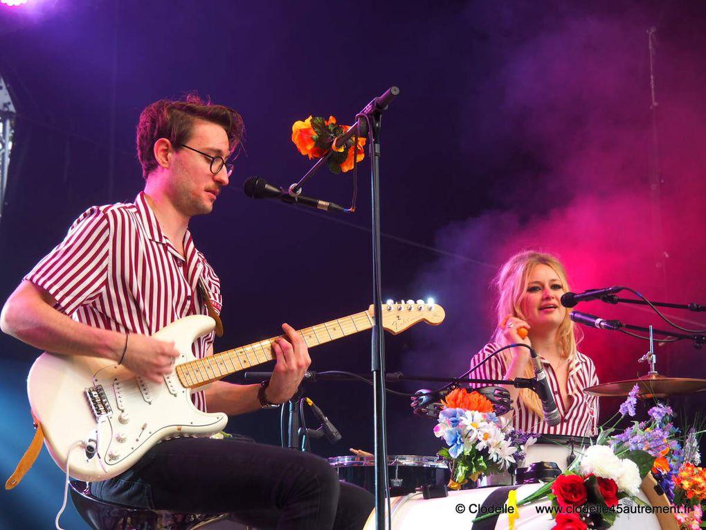 CARRE-COURT, le duo pop sixties  en concert sur le FESTIVAL LE GRAND UNISSON