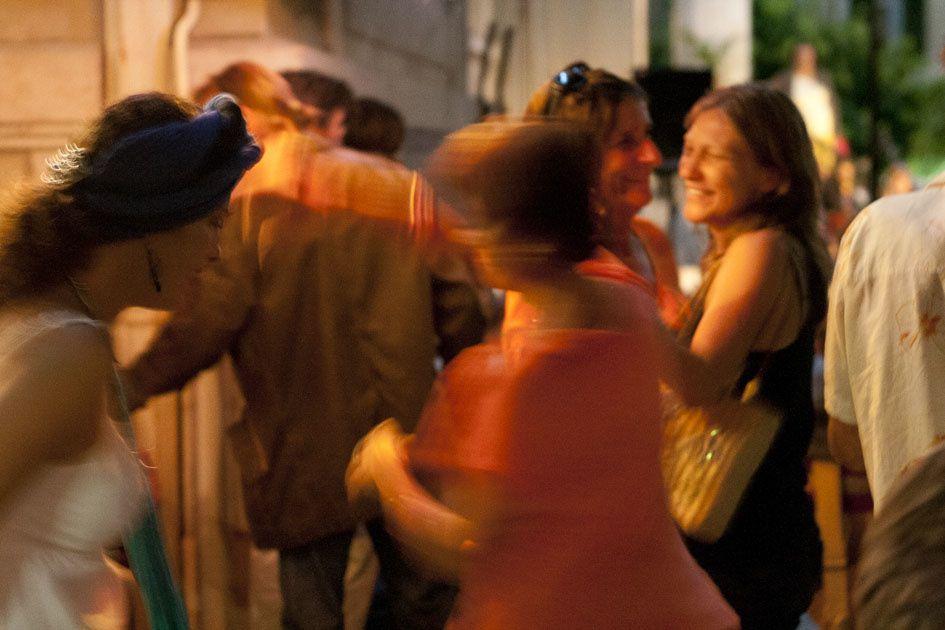 Karaoké, saucisses-frites, et concert.... gare auX gorilleS....
