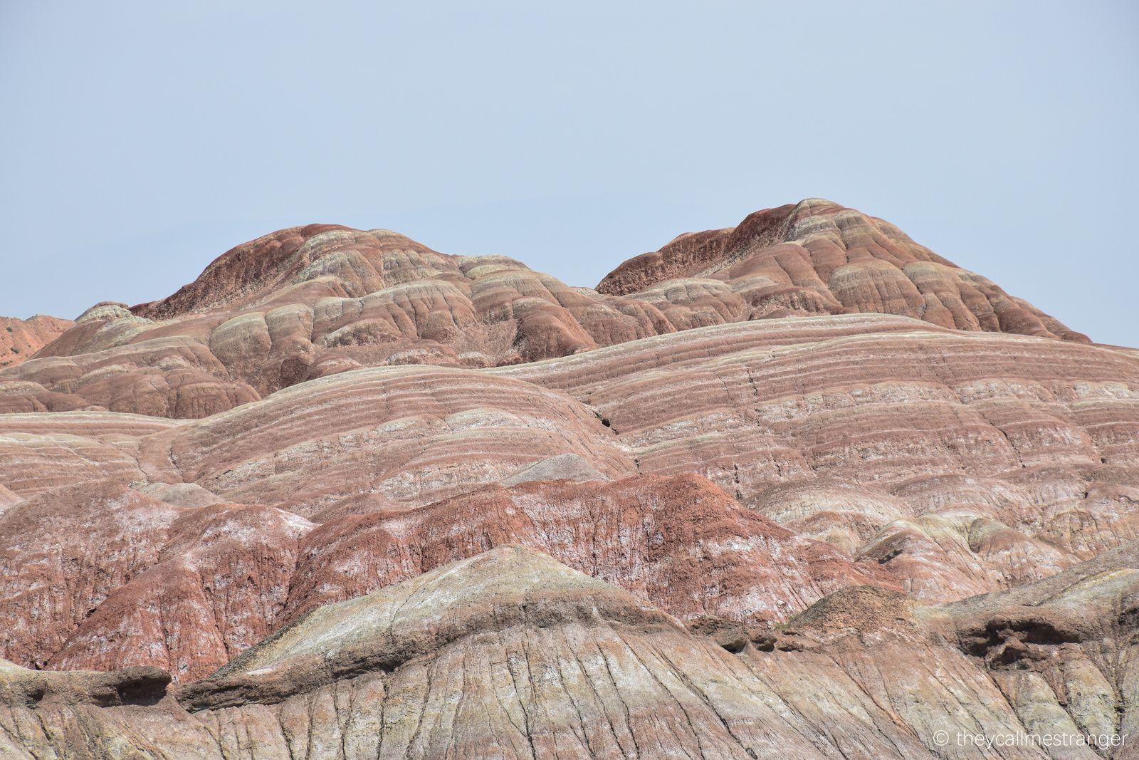 Montagnes arc-en-ciel au parc géologique de Zhangye Danxia 张掖丹霞国家地质公园