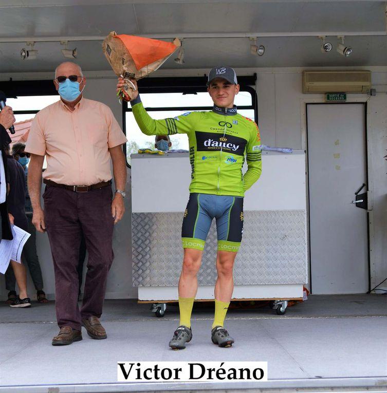Victor Dréano (OC Locminé) a remporté au sprint, la deuxième étape de la Ronde Sud Bourgogne (Fédérale Juniors) - Classement DirectVélo - Photos Daniel MORLEVAT