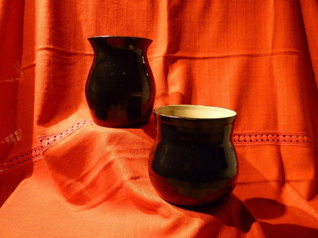 """-     Caches-pots ajourés -               Vases émail noir :14 cm/11 cm       -       Vase """"multicolor"""""""