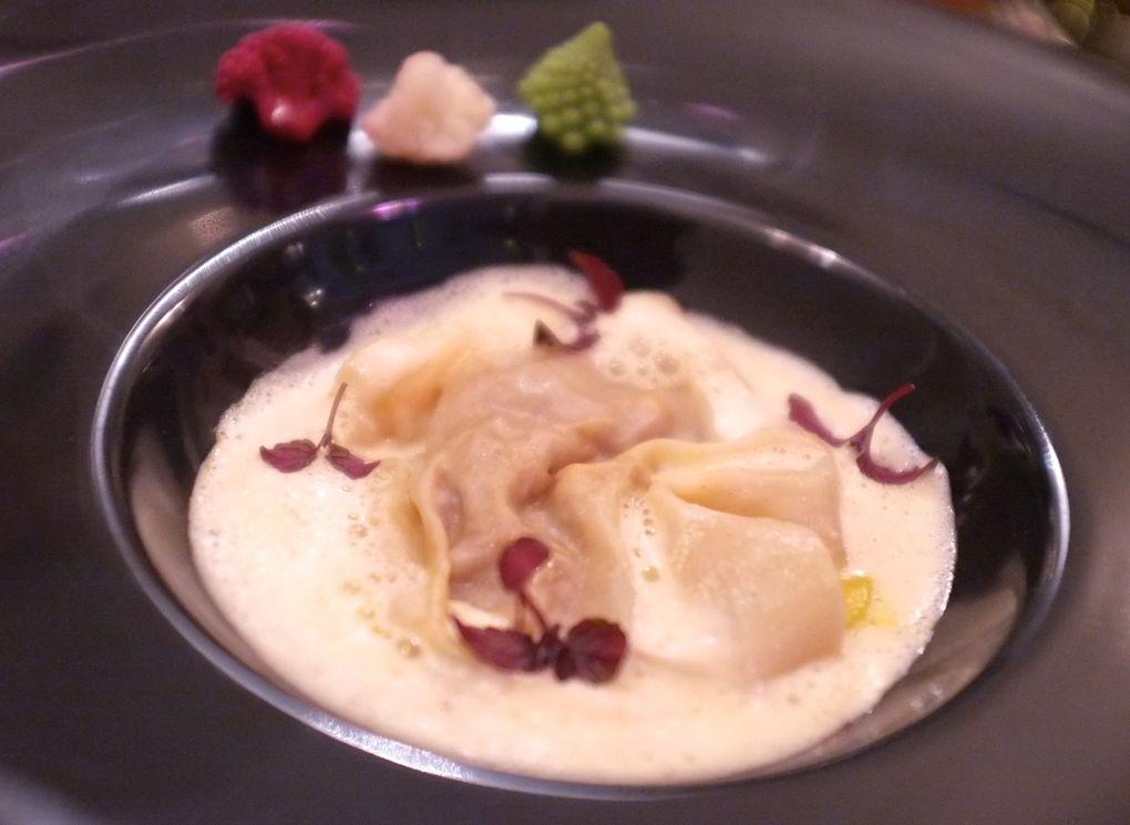 Espuma de châtaignes, cromesquis au foie gras - Raviole de veau/Butternut/Pickles