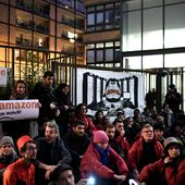 Black Friday: actions contre Amazon en banlieues de Lyon et Paris