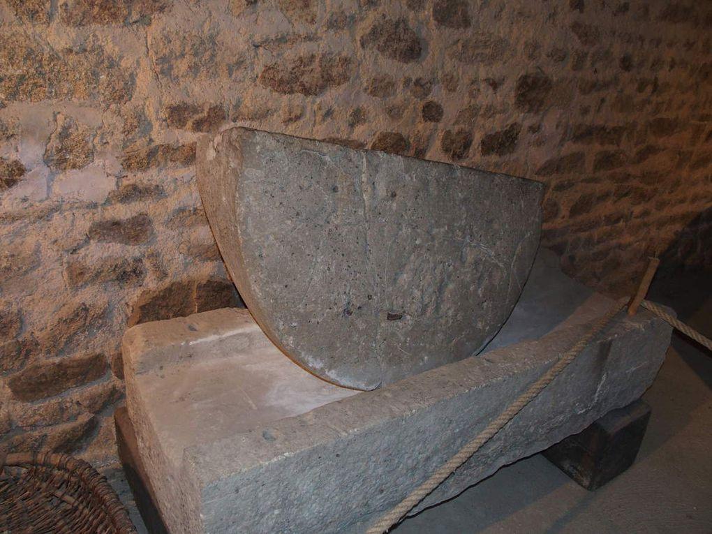 La Confrérie des Fins Goustiers au musée du cidre, domaine de la Duretière à Melleray-la-Vallée.