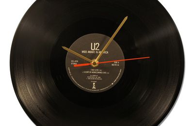 "Horloge  Vinyl - U2 ""WIDE AWAKE IN AMERICA -33 tours."