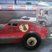 VOITURE DE COURSE HOTCHKISS DINKY TOYS MECCANO FRANCE 1/53 - RACING CAR HOTCHKISS - RENNWAGEN HOTCHKISS - car-collector.net