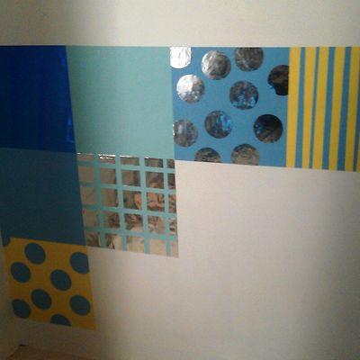 Kreatifitas Wallpaper Dinding Dari Kertas Kado