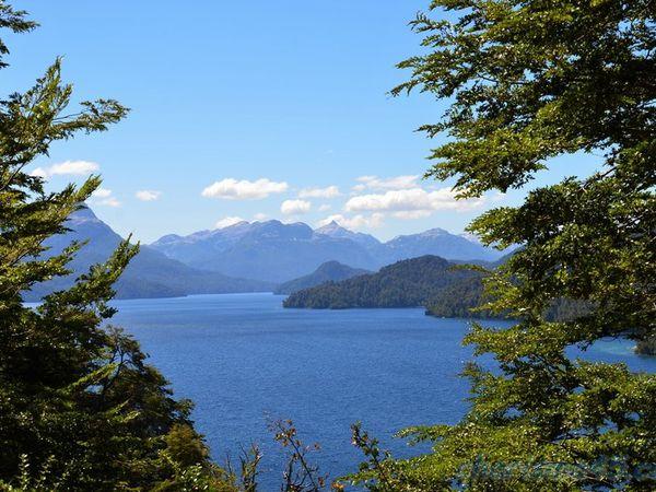 Lago Espejo, route des 7 lacs, Argentine en camping-car