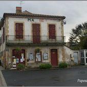 Eglise et Mairie aux Pradeaux - L'Auvergne Vue par Papou Poustache