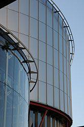 """CEDH """"Affaire Vinci Construction"""" du 2 avril 2015: les visites domiciliaires et saisies visant des sociétés commerciales appellent un contrôle concret du juge"""