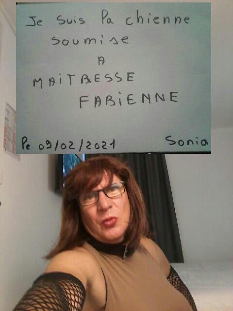 SONIA MA CHIENNE PUTE DE CLERMONT FERRAND