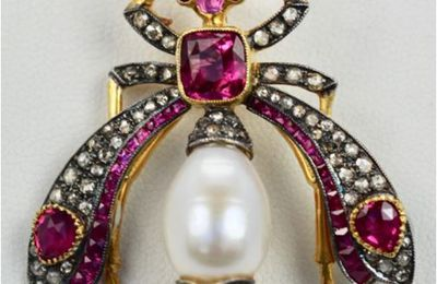 What Are the Top Trends in Insect Jewelry to Try in 2021?