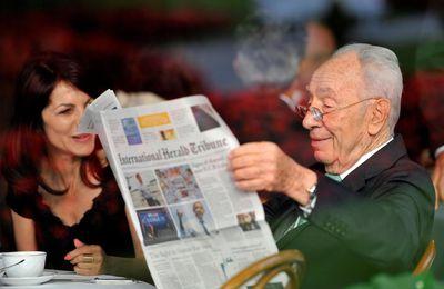 """Rony Brauman : """"Comparer Shimon Peres à Mandela, c'est cracher à la figure de Mandela"""" (RTS)"""