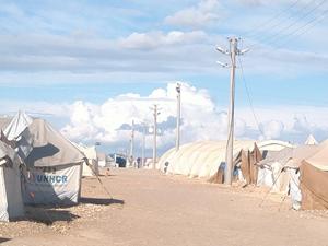 Le camp de Tel-Hamur... et le paradis perdu: Ma'arrat al Numan. Photos Oussama Darwish publiées sur Google-Earth