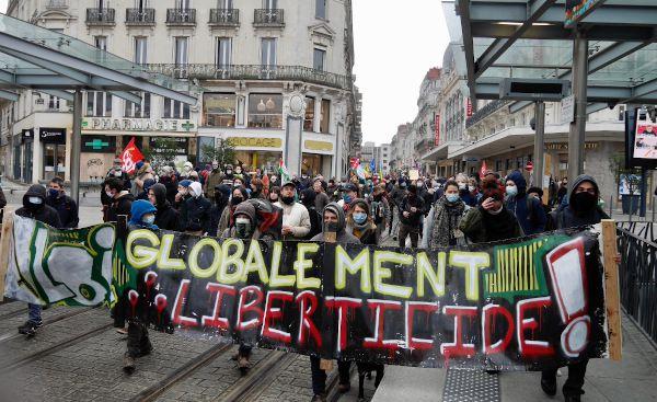 #StopLoiSécuritéGlobale : 600 manifestants à Angers ce 16 janvier