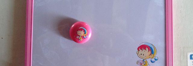 2 nouveaux tableaux magnétiques avec un magnet couleur rose